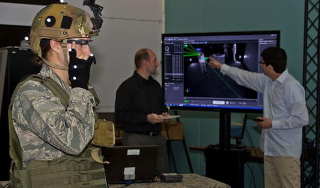 Augmented reality, the new industrial revolution. Use of AR in the military - Virtuul News